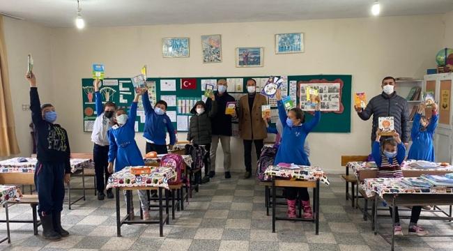Kobaklar İlkokulu Öğrencilerine Kitap Hediyesi