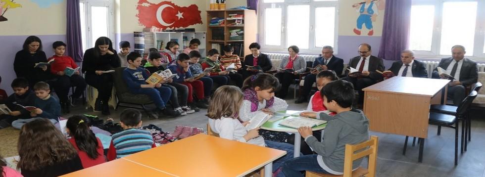 Şehit Makbule İlkokulunda Okuma Etkinliği
