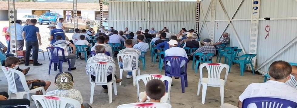 Börez'de Halk Toplantısı
