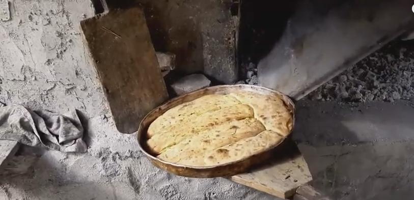 Ekşi Mayalı Köy Ekmeği Nasıl Yapılır?